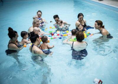 Aktivitet med baby, babysim på Trampoolin